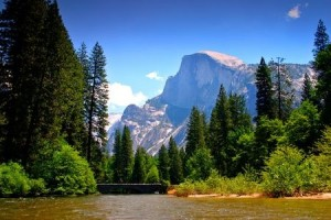 Picture of Half Dome in Yosemite Valley, California