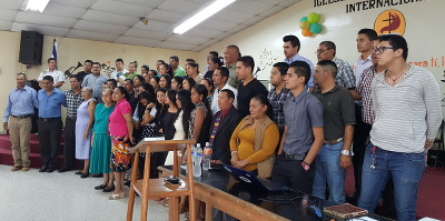 54 leaders in Tegucigalpa, Honduras who committed to reading through the Bible annually
