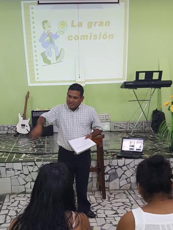 Pastor/teacher Giovanni Cojtin at a Bible school session in 2018