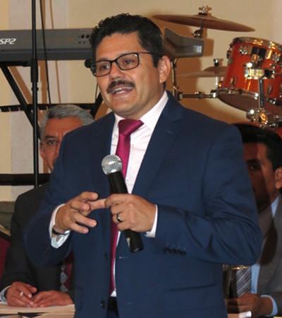 Photo of Pastor Raúl Reyes