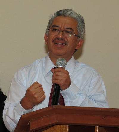 Photo of Atilio Chávez in the pulpit