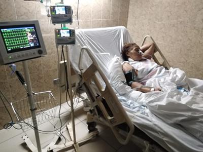 Elderly woman on a hospital bed in Honduras
