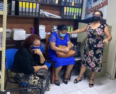 Women praying in Managua, Nicaragua